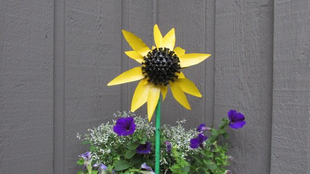 Sunflower garden art