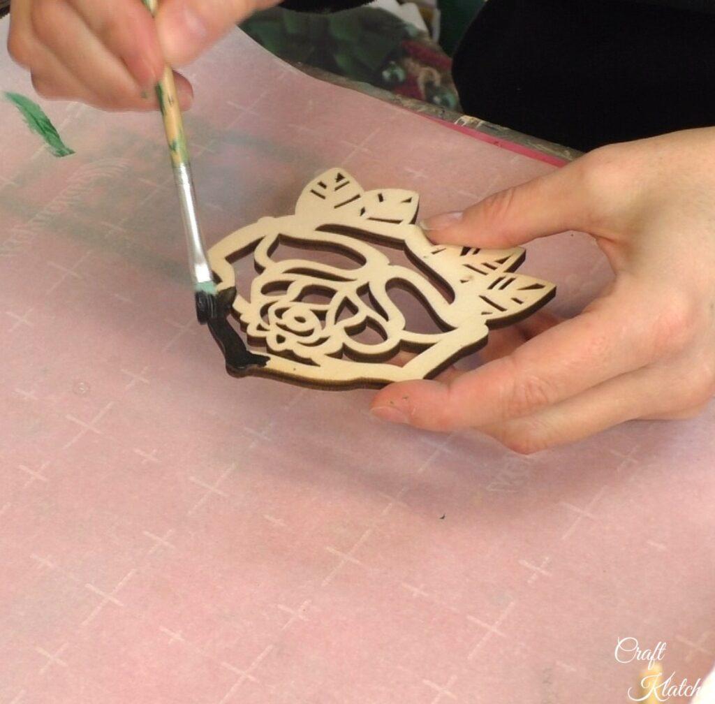 Paint wood rose coaster black